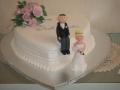 Lynda's One Tier Heart Traditional Wedding Cake
