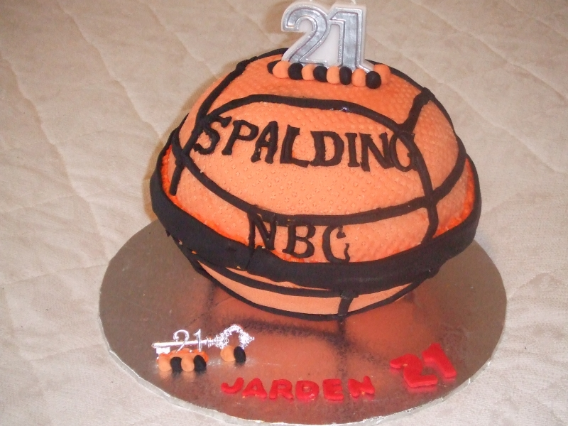 Jardan's 21st Birthday Basketball Cake