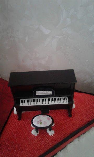 piano-on-platform-5th-September-2019