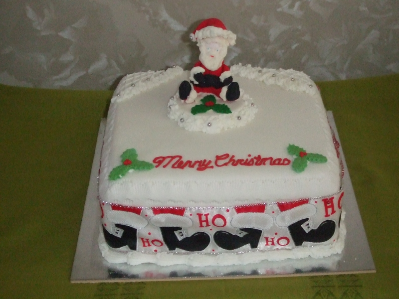 Christmas cakes -New Year Cake 20th December 2016 003