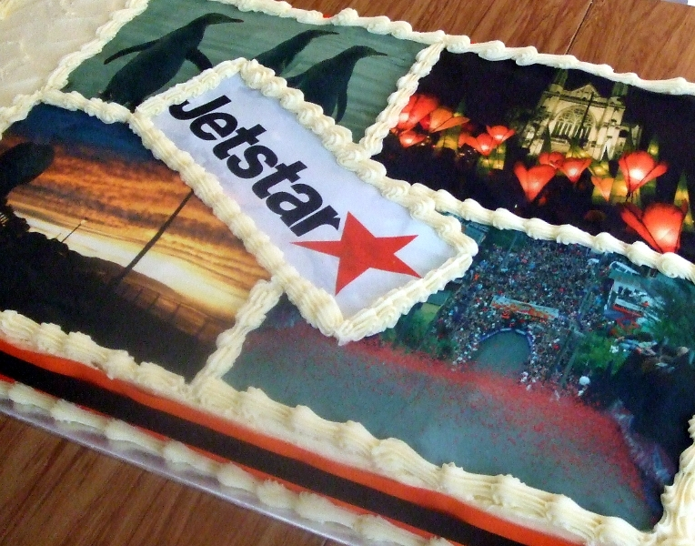 Dunedin International Airport --Jet Star cake