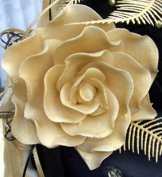Gold Dasmask rose