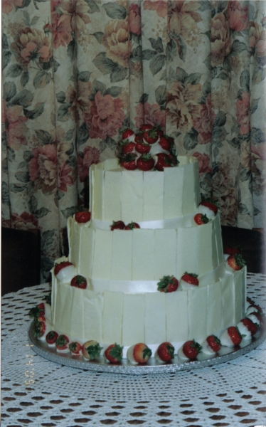Sue's White Chocolate and Strawberries Wedding Cake