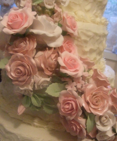 Wedding Cake June Flowers closeup