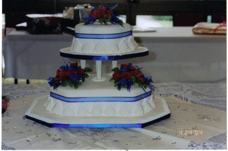 Debbie's 2 Tier Traditional Wedding Cake