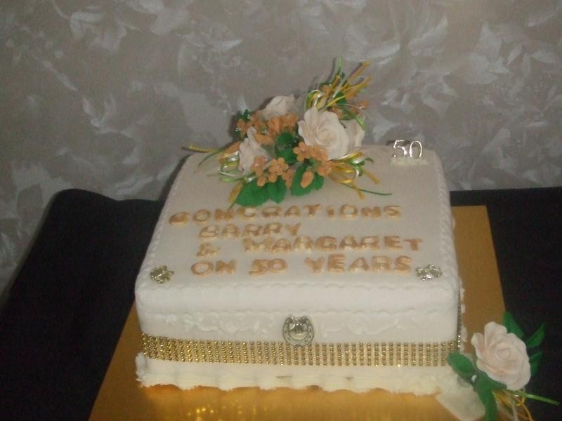 Golden Wedding cake Barry & Margaret 06-04-2017