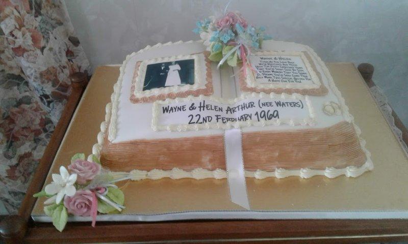 golden-wedding-cake-Wayne-and-Helen-22nd-Febraury-2019
