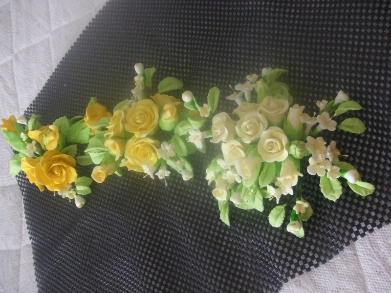 DSCF2941-the 3 tone yellow roses and white-lemon filler flwoers with spring green rose leaves -for an Austrailain bride's wedding for 14th April 2018