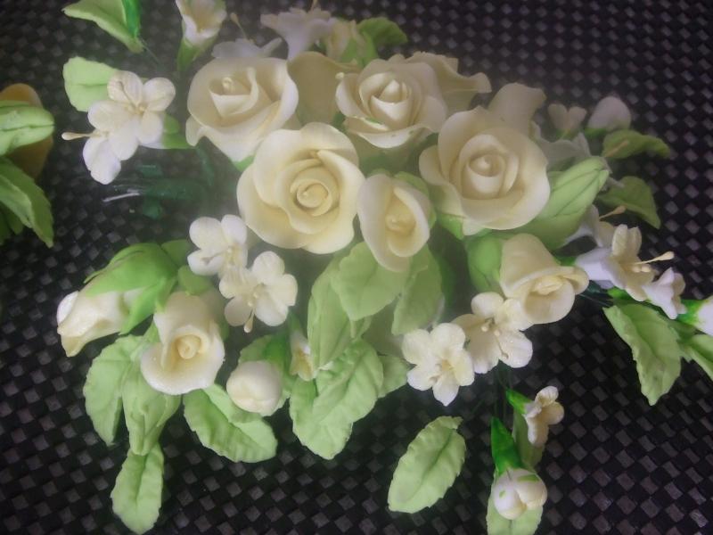 DSCF2942 bottom rose spray -pale lemon roses