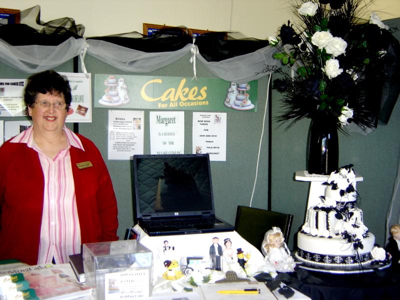 CAKE STAND AT WINGATUI WEDDING EXPO